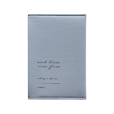 ICONIC 金釦對折護照短夾-天空藍