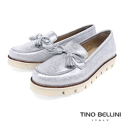 Tino Bellini 西班牙進口炫彩小流蘇蝴蝶結厚底莫卡辛鞋 _ 銀白