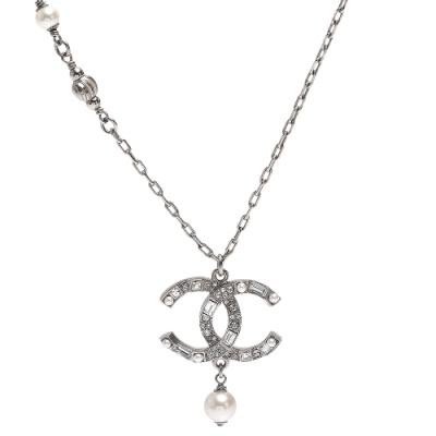 CHANEL 經典雙C LOGO水鑽鑲飾造型長項鍊(銀)