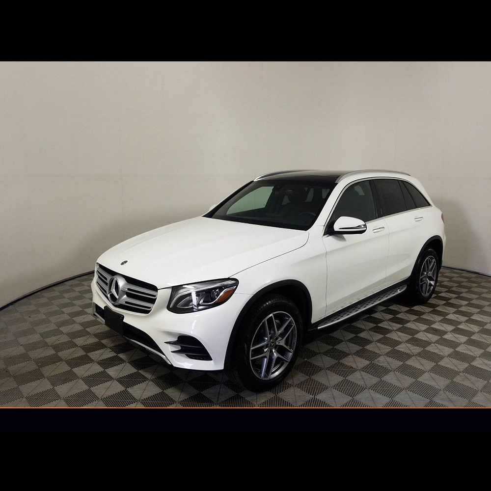 2019 Mercedes-Benz GLC300 SUV product image 1