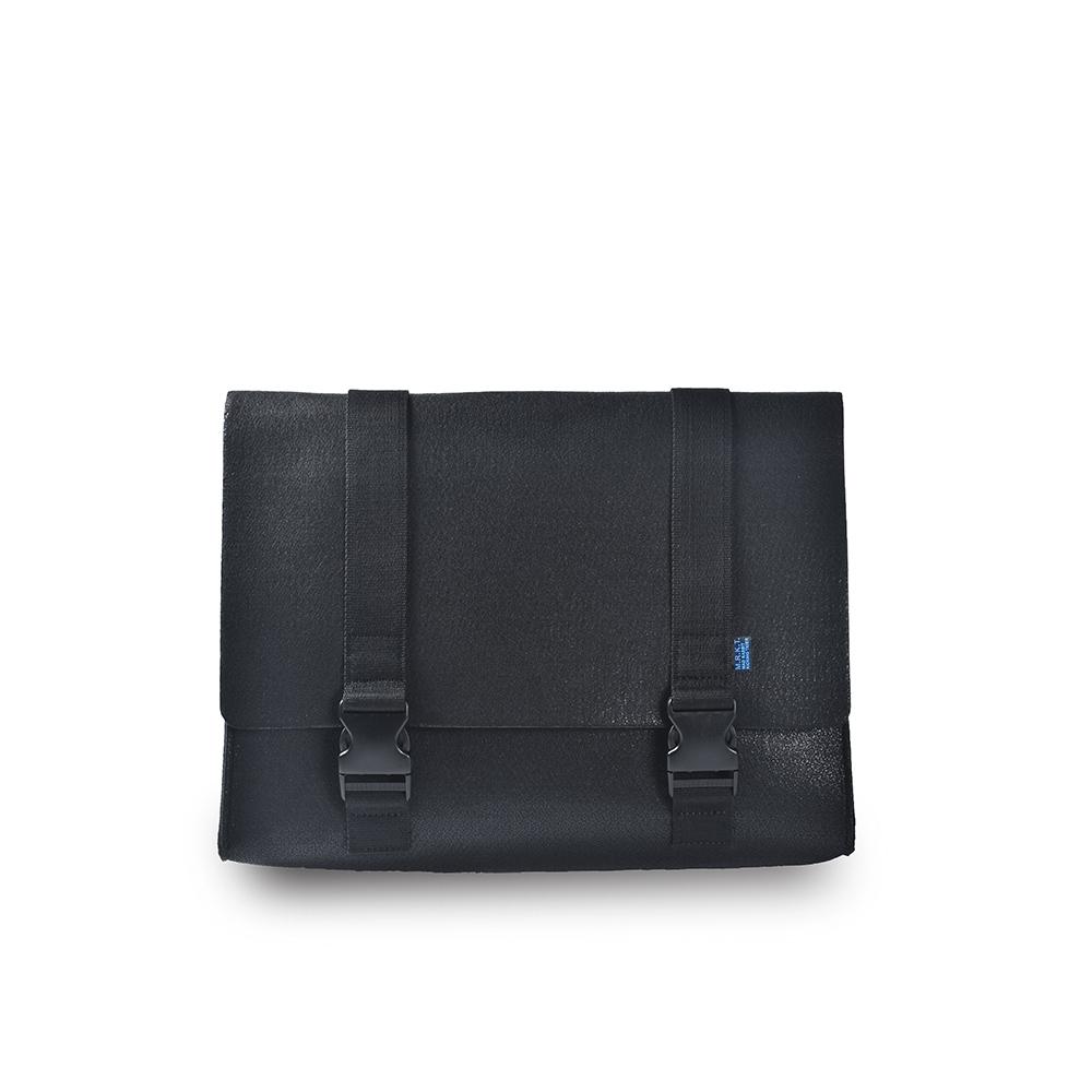 M.R.K.T. 毛氈布撞材質簡約郵差包-605050C BLACK(黑色)