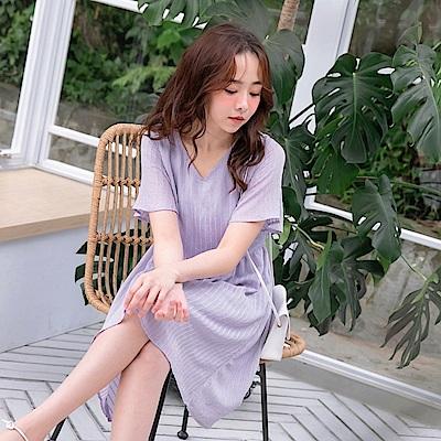 iMODA STAR- 臧芮軒。純色V領立體織紋寬袖洋裝