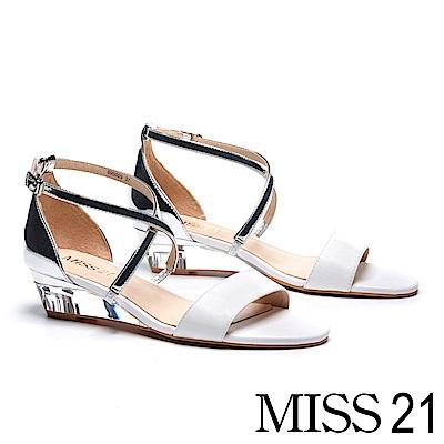 涼鞋 MISS 21 簡約異材質潮感交叉繫帶漆皮透明楔型涼鞋-白