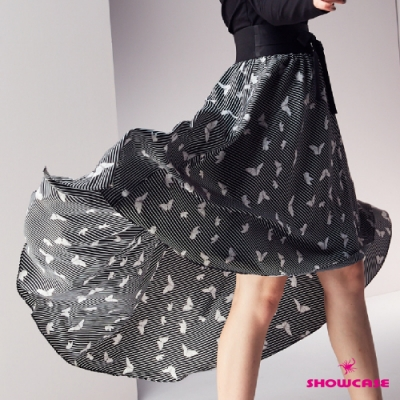 【SHOWCASE】條紋蝴蝶印花前短後長雪紡波浪裙-黑