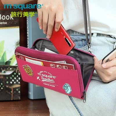 m square 斜跨護照包紀念版