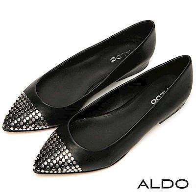 ALDO 百搭原色綴金屬幾何鉚釘尖頭粗跟鞋~尊爵黑色