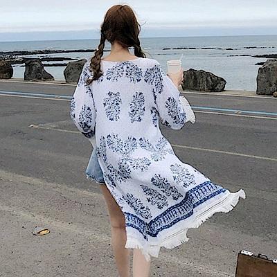 La Belleza民俗風藍色小花圖騰流蘇滾邊長版罩衫薄外套