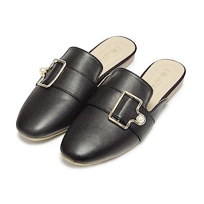 BuyGlasses 珍珠釦飾休閒穆勒鞋-黑
