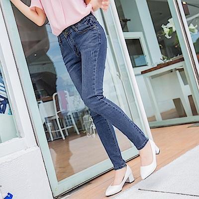 彈性雙排釦刷色破損棉感窄管牛仔褲-OB大尺碼