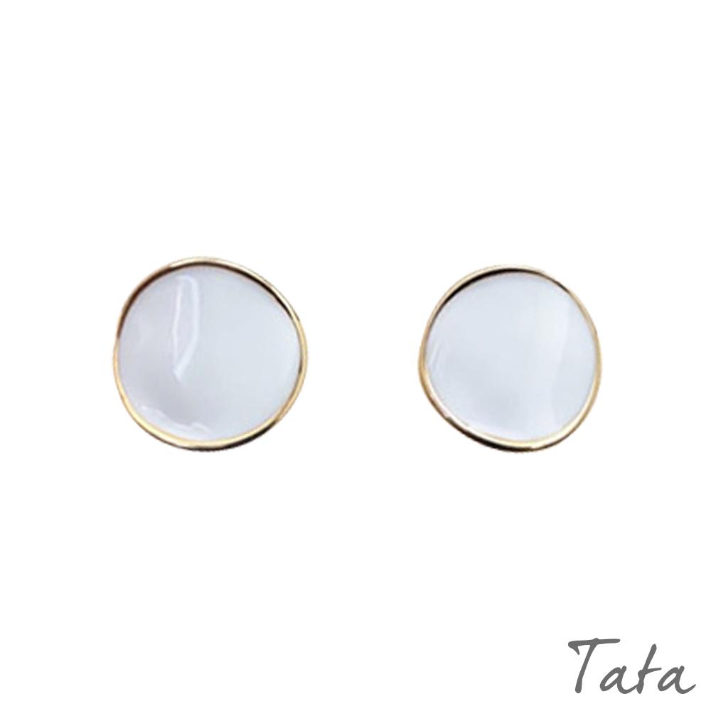 白色圓弧形耳環 TATA
