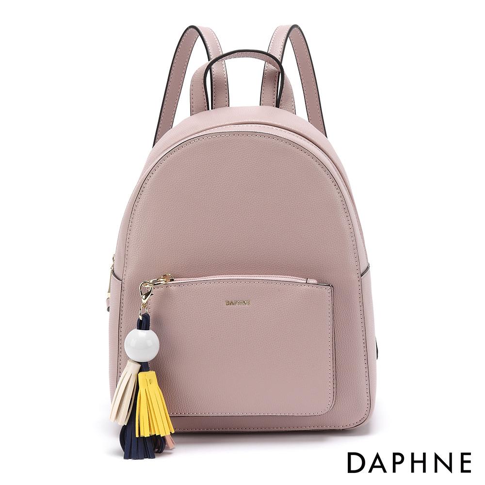 達芙妮DAPHNE-繽紛色彩流蘇休閒後背包-淺粉紅