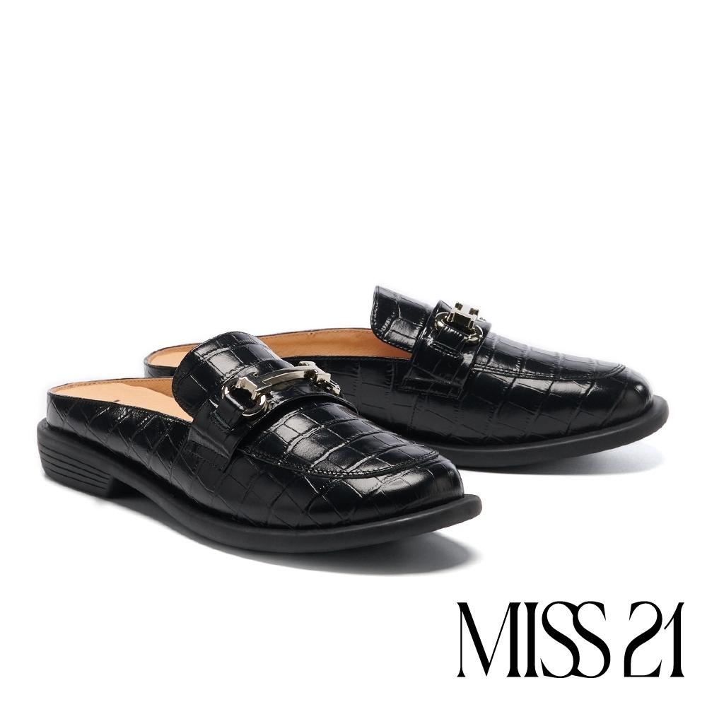 拖鞋 MISS 21 復古個性釦鍊大歪方頭穆勒低跟拖鞋-黑