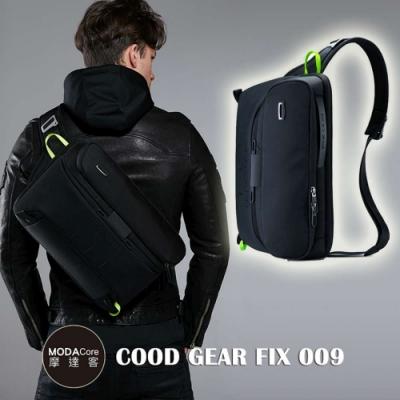 摩達客 韓國COOD GEAR-FIX009都會黑時尚防潑水螢光勾帶中型側肩包 斜跨包