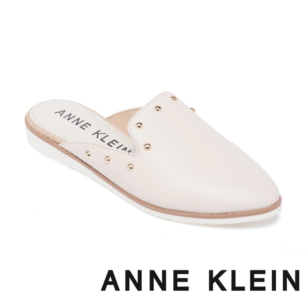 ANNE KLEIN-SHEA-S 鉚釘尖頭穆勒拖鞋-米杏色