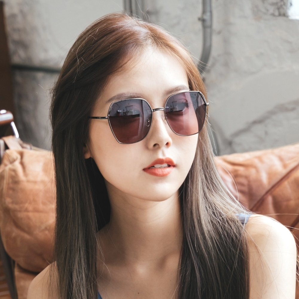 ALEGANT俐落時尚馥茶灰粉拚邊微方鐵灰細框偏光墨鏡│UV400太陽眼鏡│德爾菲的輕悅瞭望
