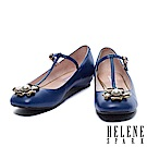娃娃鞋 HELENE SPARK 復古文藝珍珠花卉T字繫帶平底娃娃鞋-藍