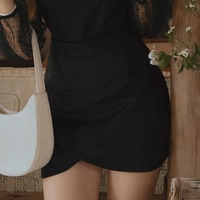 AIR SPACE 交疊造型麂皮短裙(黑)