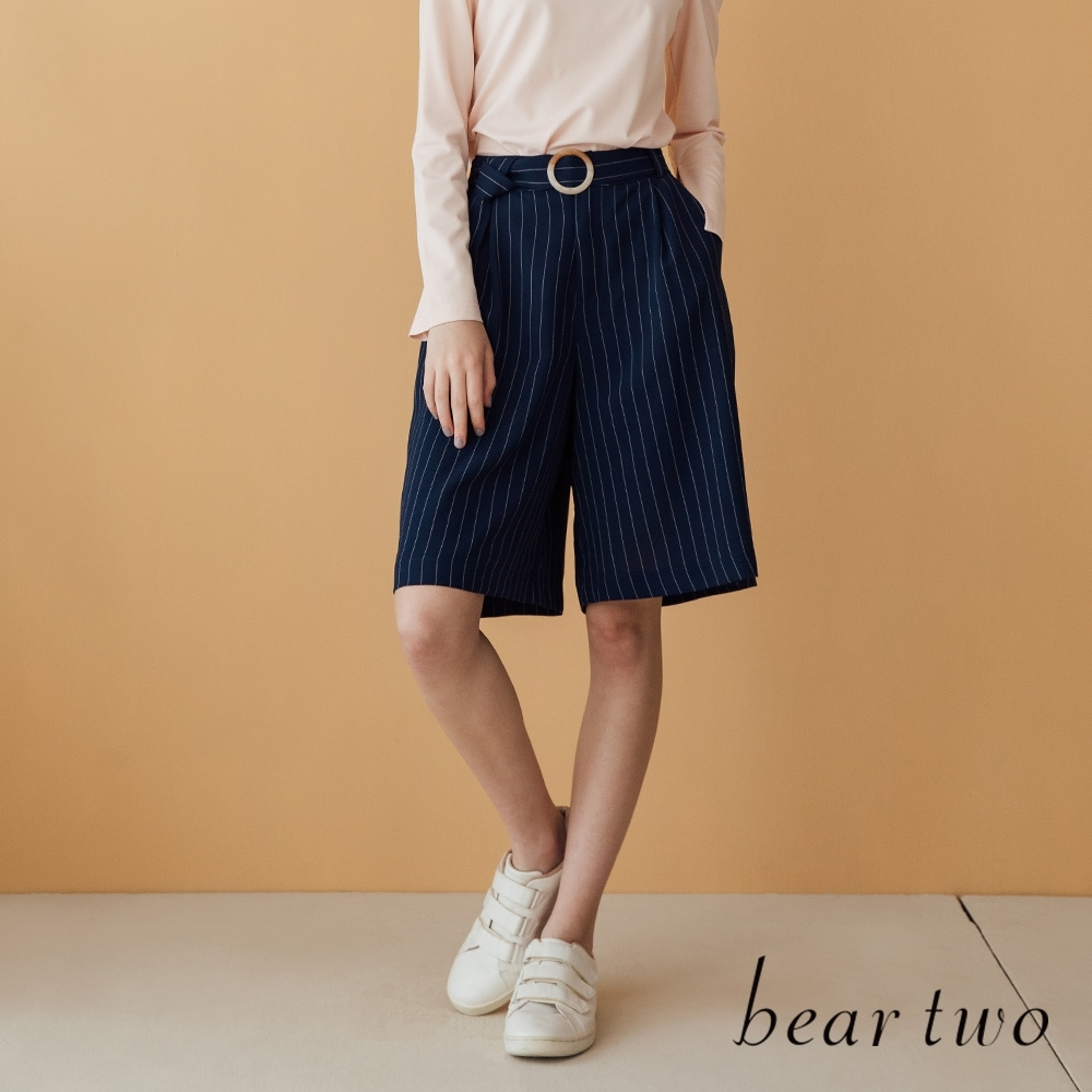 beartwo- 質感釦環腰帶條紋五分褲-深藍