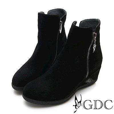 GDC-真皮奢華質感簡約楔型側扣飾短靴-黑色