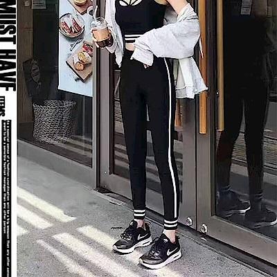 Jilli-ko 側邊單條紋打底內搭褲-黑