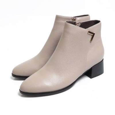 KOKKO - 交叉V字尖頭真皮粗跟拉鍊短靴 - 灰色