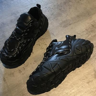 韓國KW美鞋館-話題單品輕盈顯瘦運動鞋-黑色