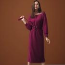 AIR SPACE LADY 純色船領磨毛針織洋裝(附腰帶)(枚紅)