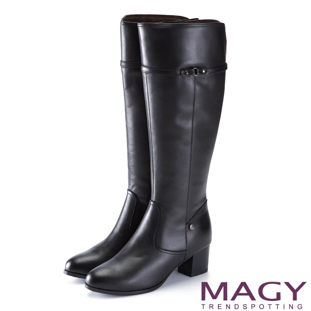 MAGY 展現獨特風采 個性牛皮粗中跟長靴-黑色