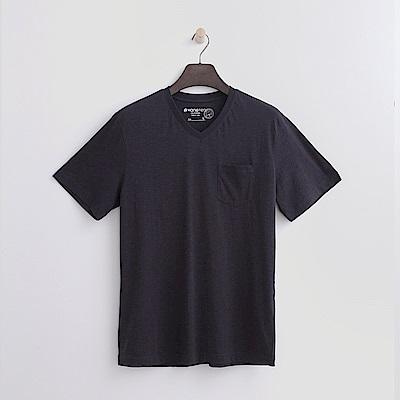 Hang Ten - 男裝 -有機棉 V領口袋竹節T恤-深灰色