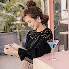 iMODA STAR- 臧芮軒。純色布蕾絲拼接珍珠點綴長袖上衣