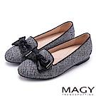 MAGY 復古上城女孩 質感格紋布扭結蝴蝶結樂福鞋-灰色