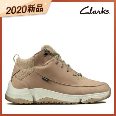 Clarks 城市漫遊 C. Shell 防潑水輕戶外三瓣底高筒休閒女鞋 沙色