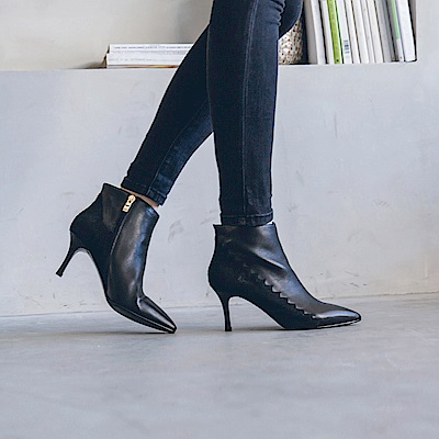 IREAL 真皮拼接設計尖頭高跟短靴