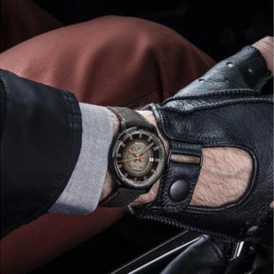 MIDO Commander Gradient系列 煙黑漸層機械錶(M0214073741100)