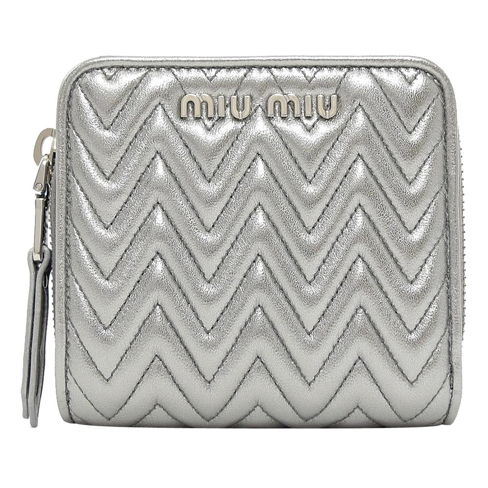 MIU MIU 金屬LOGO羊皮山型車線零錢短夾(銀)