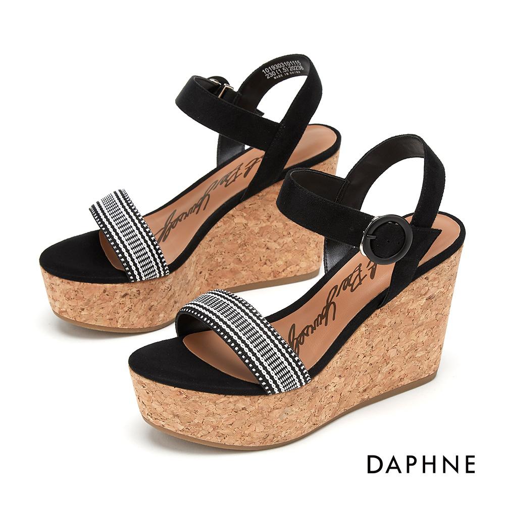 達芙妮DAPHNE 涼鞋-民俗風情一字帶編織楔型涼鞋-黑色