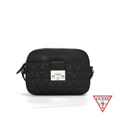 GUESS-女包-簡約菱格壓紋斜背包-黑 原價2690
