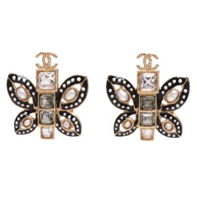 CHANEL 方形水晶鑲嵌珍珠裝飾琺瑯蝴蝶造型穿式耳環(黑)