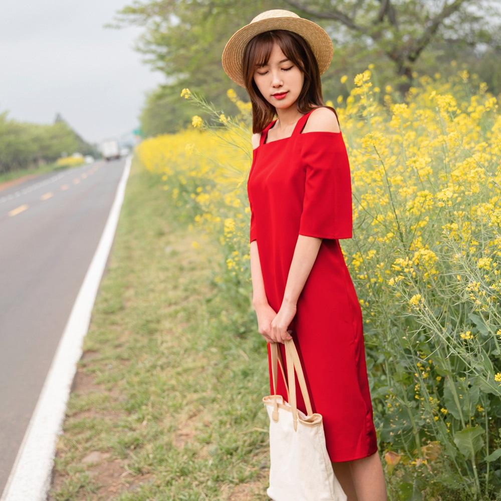 純色露肩設計五分袖雪紡中長洋裝-OB大尺碼