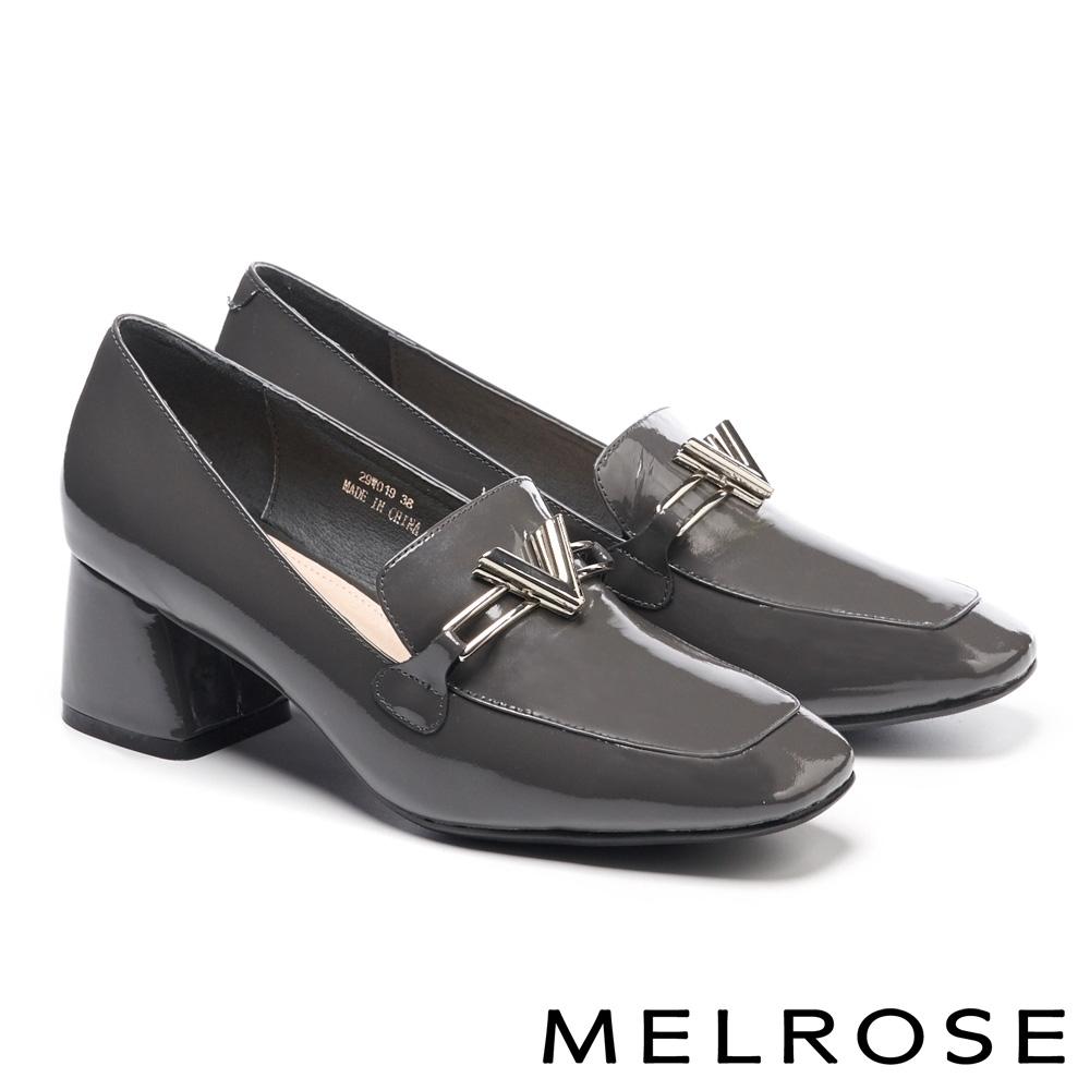 高跟鞋 MELROSE 時尚金屬飾釦方頭漆皮粗高跟鞋-灰