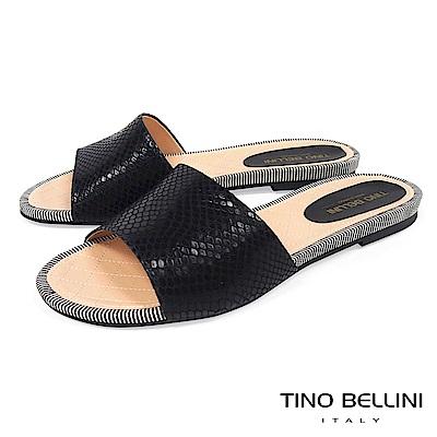 Tino Bellini 巴西進口寬帶光澤蛇紋平底涼拖鞋 _ 黑