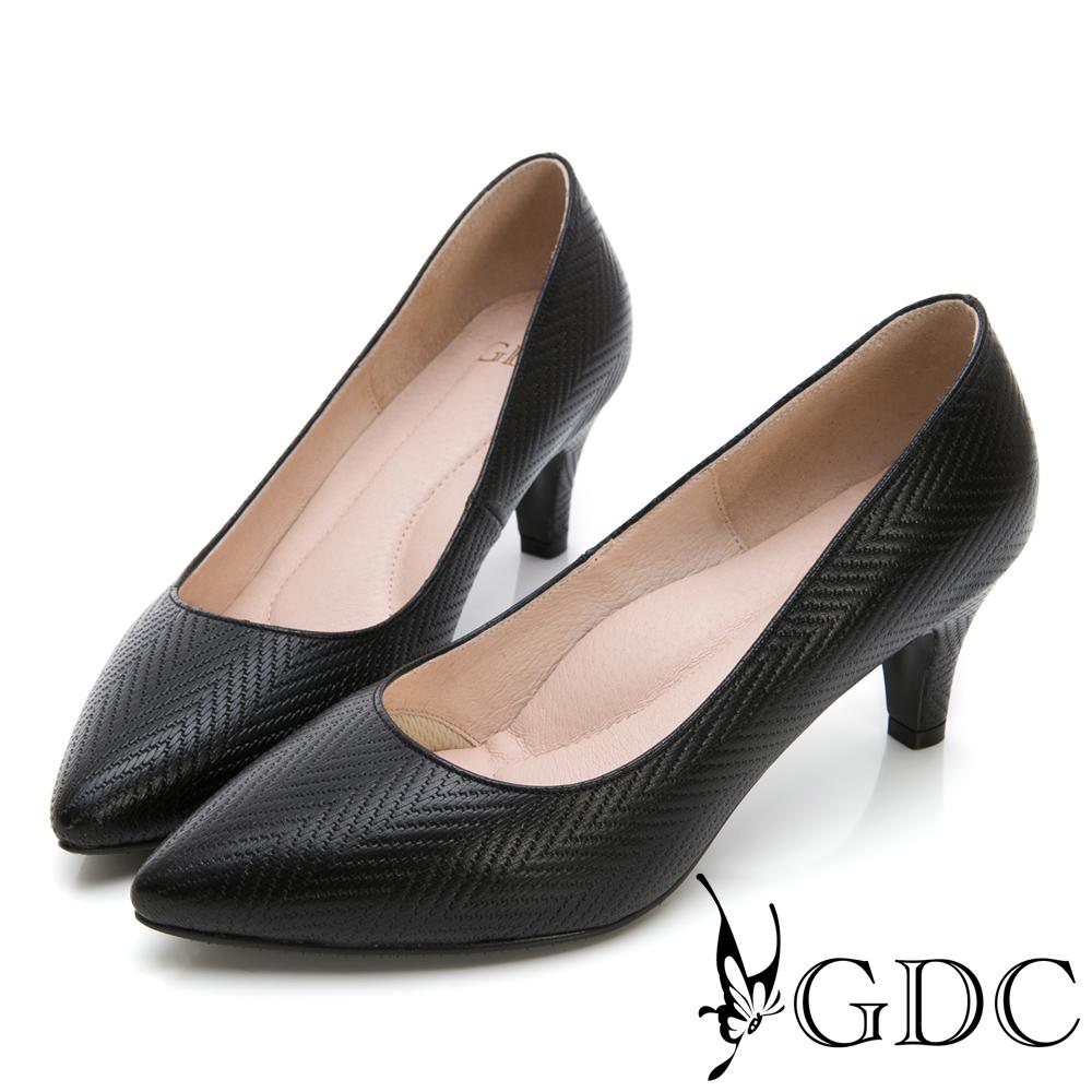 GDC-氣質OL真皮美紋優雅尖頭跟鞋-黑色