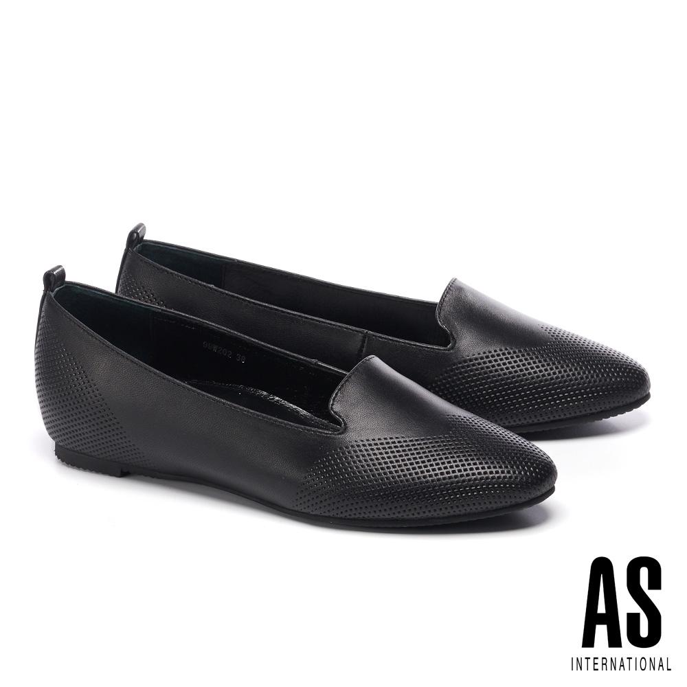 低跟鞋 AS 細緻壓紋羊皮內增高樂福低跟鞋-黑