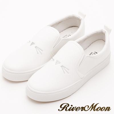 River&Moon休閒鞋- 樂活舒適刺繡貓咪拼接懶人鞋-白