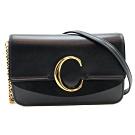 CHLOE C logo 金釦小牛皮鍊帶斜背包 (黑)