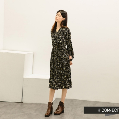 H:CONNECT 韓國品牌 女裝 -滿版碎花皺褶長洋裝-黑色