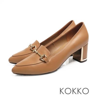 KOKKO - 經典品味尖頭牛皮鏡面粗跟-奶茶色