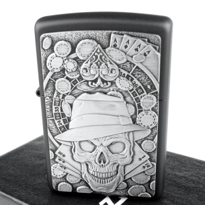 ZIPPO 美系~Gambling Skull-骷髏賭徒圖案立體貼飾加工打火機