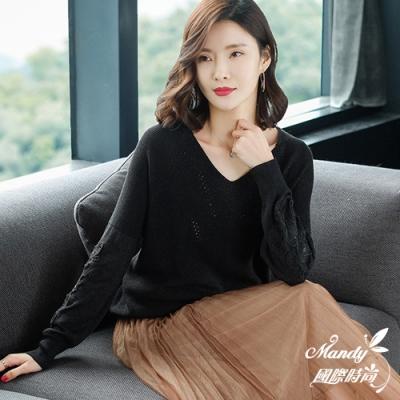 Mandy國際時尚 薄款V領純色鏤空長袖針織毛衣(5色)  【韓國服飾】