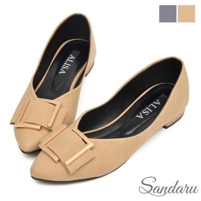 山打努SANDARU-低跟鞋 大方蝶結釦尖頭鞋-卡其